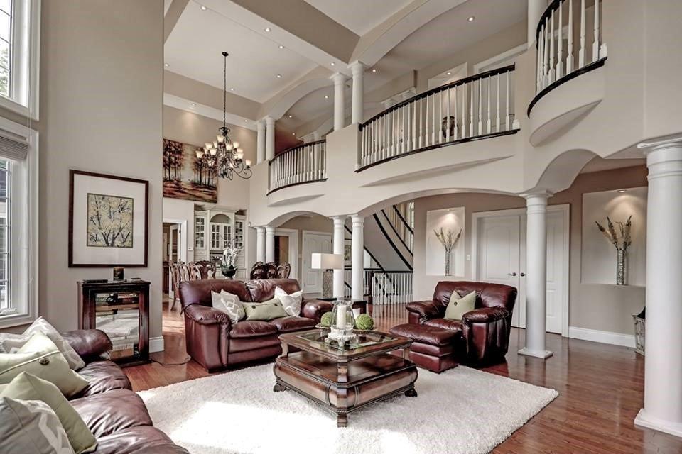 Ivy Lane Estate - Living Room